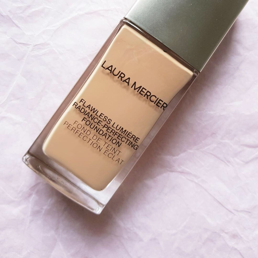 Makeup Review: Flawless Lumière Radiance-Perfecting Foundation